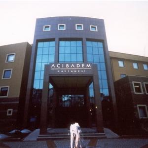 3: Acıbadem Kadıköy Hastanesine *  مستشفى أكيبادم كاديكوي * :