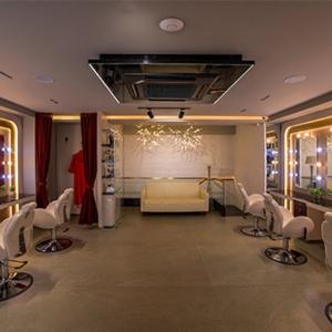 V one Beauty Salon